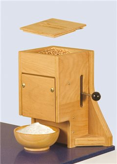 Large capacity manual flour mill in wood up to 4.5 kg per hour